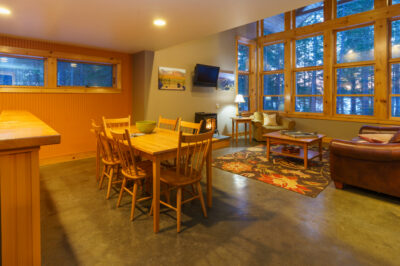 Coveside 3BR Lodge