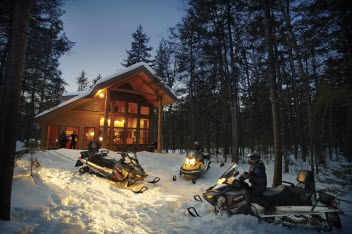 Hotel Style Accommodation in Lakeside Cabins at NEOC